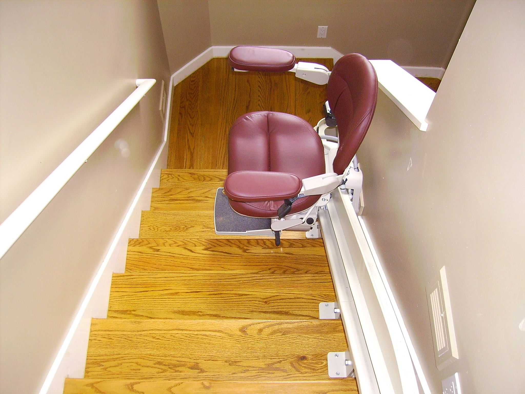 4 Steps Towards Selecting The Right Stair Lift