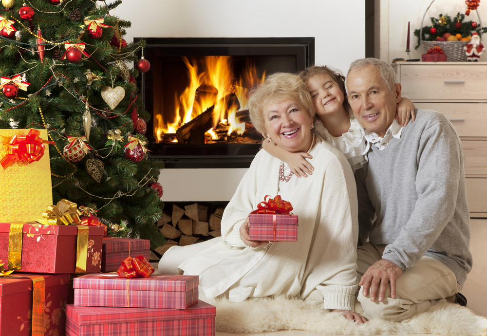 Finding Holiday Gifts Your Elderly Loved One Will Love